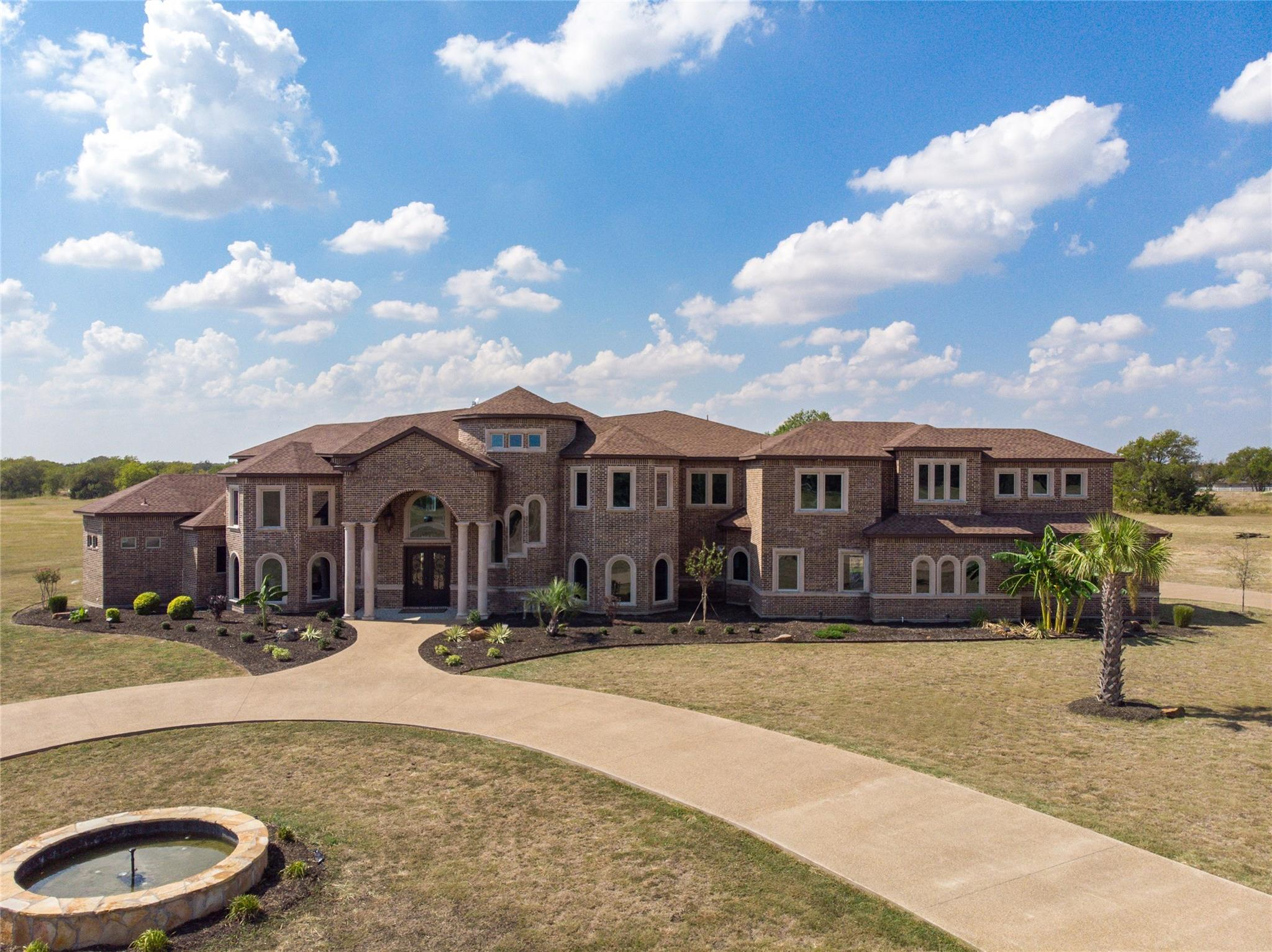 Luxury Home in Shiloh Downs